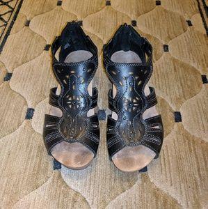 Earth Origins 8M Sandals